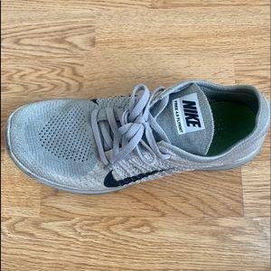 Women's Nike Free 4.0 Flyknit running shoe